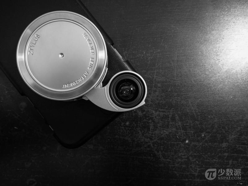 在 祖传 的 800 万摄像头上玩出花 iphone 外置镜头 ztylus