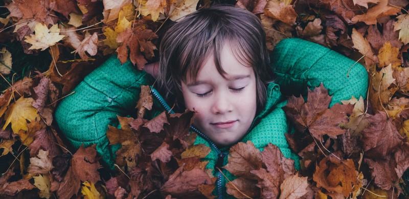 并不是睡满 8 小时才叫「睡了个好觉」,我们对睡眠这事都有误区