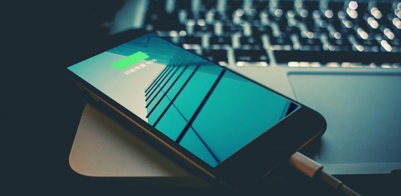 不越狱查看 iPhone 电池剩余最大容量的 4 种方法丨Matrix 精选