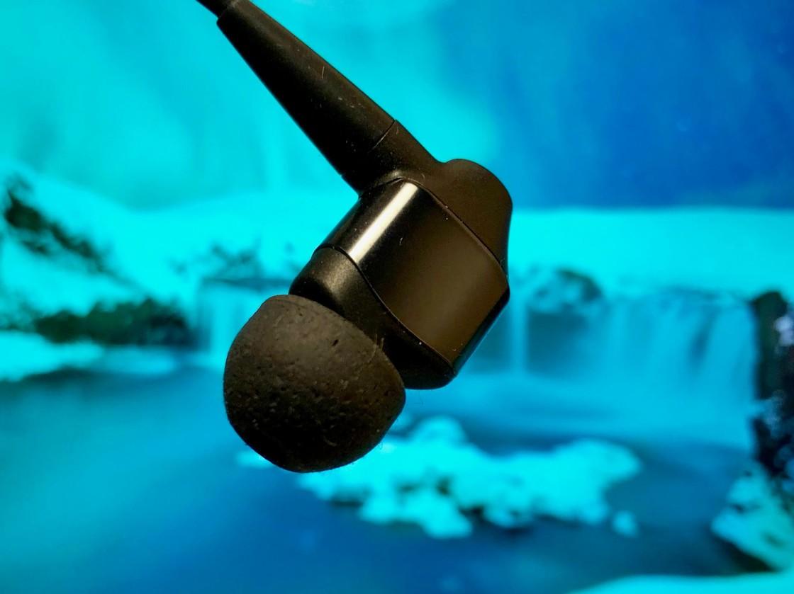 WI-1000X 的三重舒适耳塞套