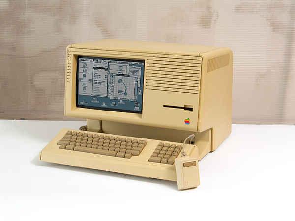 Macintosh XL 售价 3,995 美元,甚至比 Lisa 还要短命